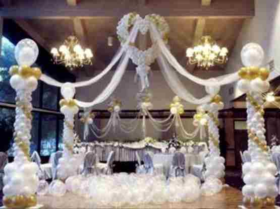 Wedding Balloon Displays As Wedding Decorations. Balloon Arch, Table ...
