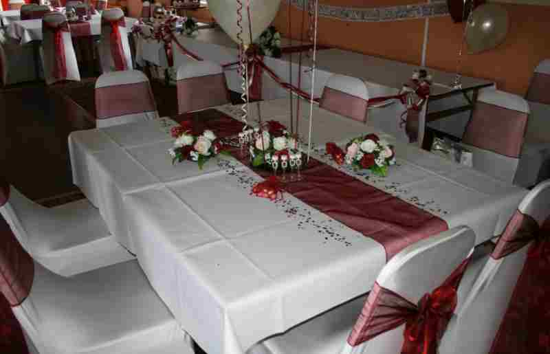 Wedding decorations in flowers and balloons